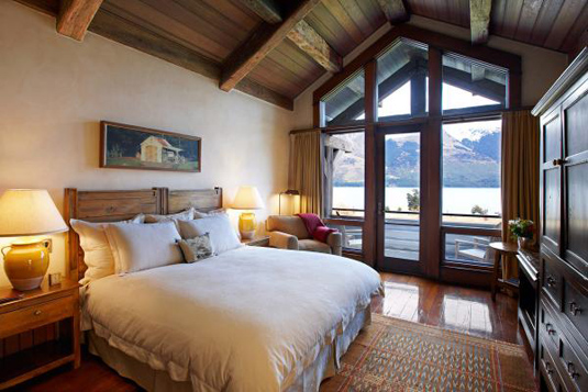 Blanket Bay Guest Room